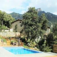 la Nou de Bergueda Villa Sleeps 7 with Pool, hotel en Sant Jordi de Cercs