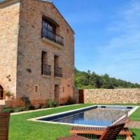 Capellades Apartment Sleeps 7 with Pool, hotel en Capellades