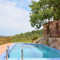 la Bisbal de Falset Villa Sleeps 8 with Pool