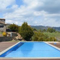 Berga Villa Sleeps 8 with Pool