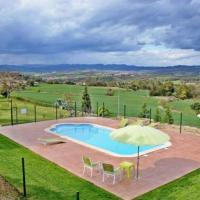 Olost Villa Sleeps 8 with Pool, отель в городе Olost