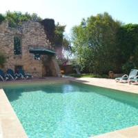 Valls Villa Sleeps 6 with Pool, hotel in Valls