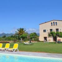 Montbrio del Camp Villa Sleeps 14 with Pool and Air Con, hotel en Montbrió del Camp