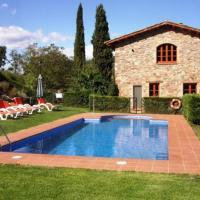 Moia Apartment Sleeps 11 with Pool, hotel en Moià