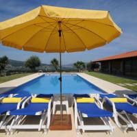 Balugaes Villa Sleeps 7 with Pool Air Con and WiFi, hotel in Balugães