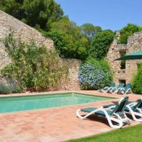 Villa in Valls Sleeps 10 with Pool