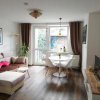 Apartmán - Výhled na Praděd ze zahrady domu, hotel v destinaci Bruntál