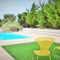 Aguilo Villa Sleeps 10 with Pool