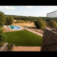 Sant Sadurni d'Anoia Villa Sleeps 15 with Pool