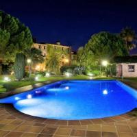 El Vendrell Villa Sleeps 34 with Pool and Air Con