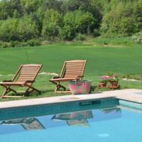 Vic Villa Sleeps 8 with Pool
