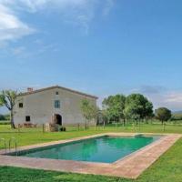 Girona Villa Sleeps 8 with Pool