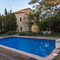 Vilafranca del Penedes Villa Sleeps 6 with Pool
