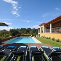 Portal Villa Sleeps 8 with Pool Air Con and WiFi