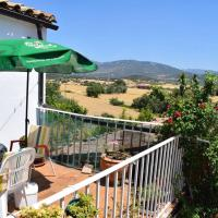 House with 3 bedrooms in Sieso de Huesca with wonderful mountain view and furnished terrace 223 km from the slopes, hotel en Sieso de Huesca
