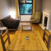 Self Contained 4 Bed House with Off Street Parking