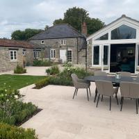 Stylish 5-Bed Coach House in Badgworth