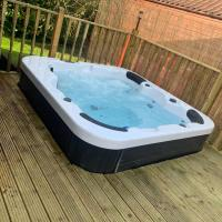 Daisy Lodge with Hot Tub North Yorkshire