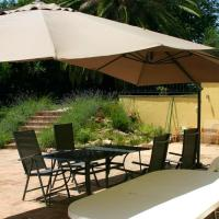 House with 2 bedrooms in Mogliano with enclosed garden and WiFi, hotell i Mogliano