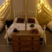 Luxury Glamping Tent, отель в городе Спалдинг