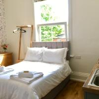 Charming Studio Apartment for 2 in York