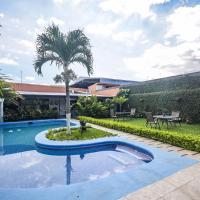 Berlor Airport Inn, hôtel à Alajuela