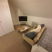Stylish Apartment With Hot Tub