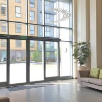 Entire Flat- Modern One Bed with huge terrace