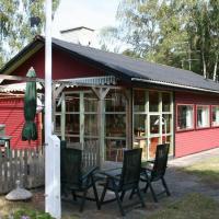 Two-Bedroom Holiday home in Aakirkeby 7, Hotel in Vester Sømarken