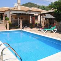 Traditional Villa in Andalusia with private terrace and pool, hotel in La Joya