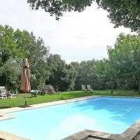 Spacious Mansion in Grignan with Swimming Pool