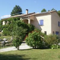 Quiet Holiday Home in Marignac-en-Diois with Garden