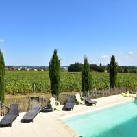 Spacious Mansion in Vinzelles with Swimming Pool