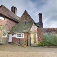 Antique Holiday home in Sissinghurst Kent with Private Parking