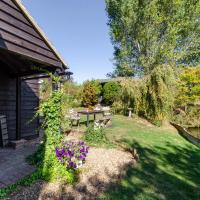 Rustic Holiday Home in Goudhurst Kent with Private Parking