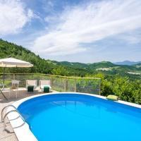 Breathtaking Villa in Pergola with Private Swimming Pool, hotel in Pergola