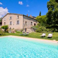Pretty Holiday Home in Acqualagna with Swimming Pool, hotell i Acqualagna