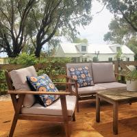 Clonmara Country House and Cottages, hotel in Port Fairy