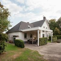 Cozy Holiday Home in Heeze-Leende Amidst Meadows