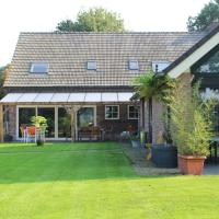 Comfortable holiday home in natural area with jacuzzi, sauna and free Wi-Fi