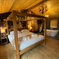 Roe Lodge at Owlet Hideaway - with Hot Tub, Near York