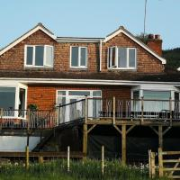 Healing Waters Sanctuary for Exclusive Use or Bed & Breakfast, Vegetarian, Alcohol & Wifi Free Retreat in Glastonbury
