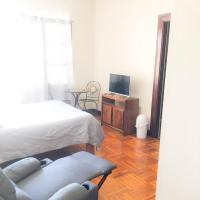 Ester`s Place, отель в городе Эскасу