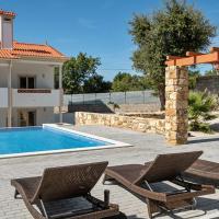 Wonderful Villa in Ferreira do Zezere with private Pool & jacuzzi!