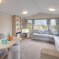 Stunning 6 Birth Caravan in Skegness