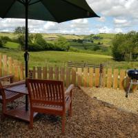 Foxgloves in the Countryside with private garden, hotel v destinaci Craven Arms