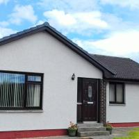 2 Bed home with private garden in the Highlands