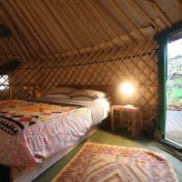 Hapus Yurt Luxury Yurts & Barn - Sleeps 9