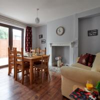 3 Bed House with Private Outdoor Space in Mold!
