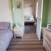 1 Bedroom Guisborough sleeps 2 Twin Sofabed
